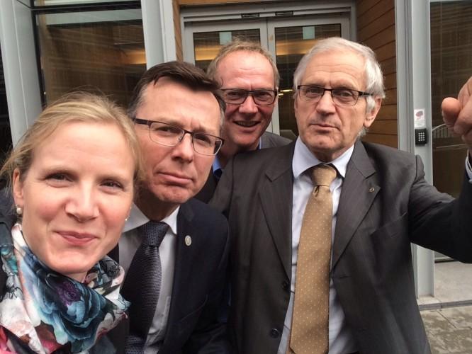 """""""Nå skal vi hente hjem pengene"""", UiB-rektor Dag Rune Olsen, UiN-rektor Pål Pedersen, leder i UHR Ola Stave og undertegnede med ambisjoner i EU"""