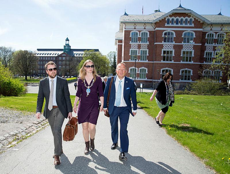 offisiell åpning av Urbygningen. Statsråd Torbjørn Røe Isaksen og administrerende direktør i Statsbygg Harald Nikolaisen